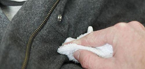 Чистим пальто