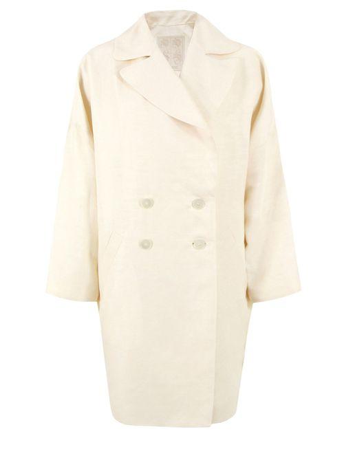 Выбираем пальто белого цвета