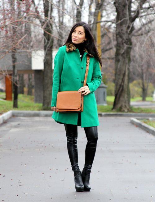 Выбираем зеленый пальто
